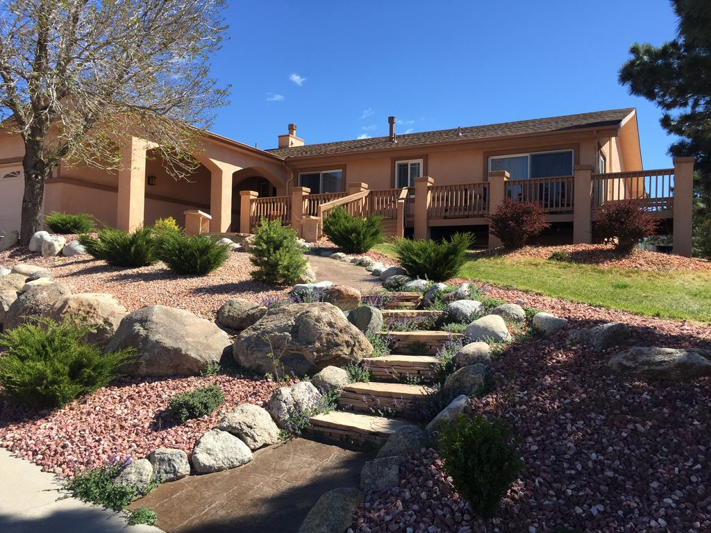 Beautiful Home At The Base Of The Rocky Mts Colorado Springs