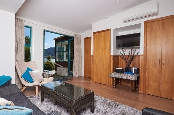 Lake terrace queenstown holiday unit homeaway frankton for 5 the terrace queenstown