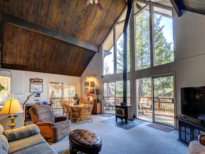 Photo for Rustic Swiss-style cabin w/ lake and shared pool access. Close to Yosemite!