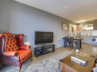 Photo for Modern 2bed w/balcony sleeps 6 in Hackney