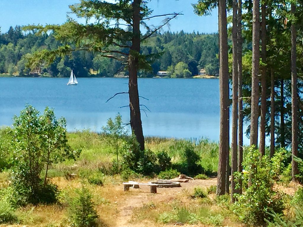 Incredible home on the lake. Your own... - HomeAway Lakebay