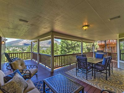 Upscale Flagstaff House w/Hot Tub, Deck+Mtn Views!