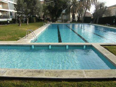 Photo for Ground floor with communal pool and garden 50m from the beach