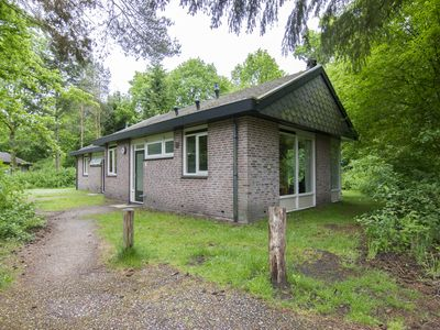Photo for 4-person bungalow in the holiday park Landal Aelderholt - rural location