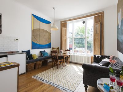 Photo for Bright Talbot Road Apartment - MATR6