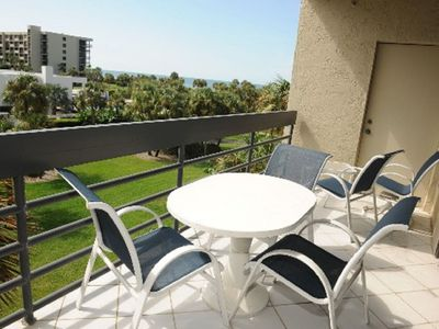 Photo for Light And Bright 3-Bedroom At Beachplace With Pool And Gulf Views
