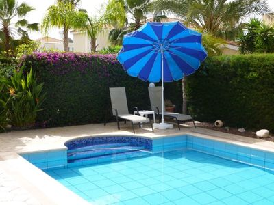 Photo for Luxury villa, in heart of Coral Bay near the strip and beach