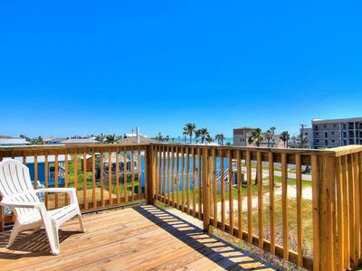 Photo for South Rockport stilt home only a few blocks from the water with partial view of Aransas Bay