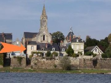 house / villa on the river- Le Fresne sur Loire