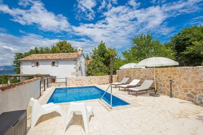 Mediterranean style holiday house - full privacy, swimming pool, parking garage, terrace - 2