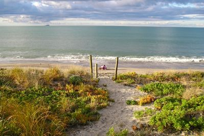 Your own direct pathway to the beach!