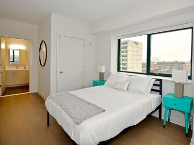 Photo for Luxury Jersey City Apartment, 2BD/2BA, Views!