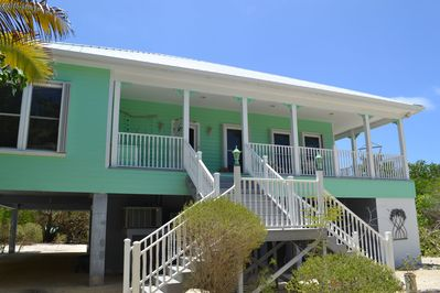 Front view of Mangrove Manor.