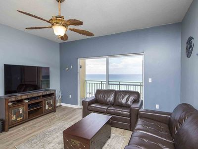 Photo for Updated Beachfront Condo with Private Balcony and Community Pool. Free Beach Service!