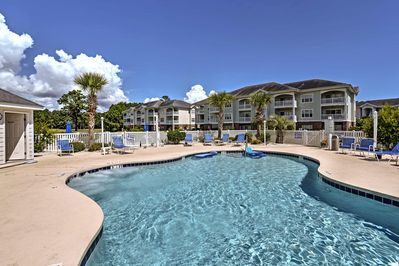 The condo is part of Myrtlewood North, with community amenities like pools.