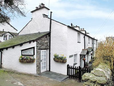 Photo for 2 bedroom property in Bowness-on-Windermere. Pet friendly.