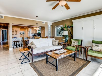 Photo for Lovely High Pointe condo w/ modern furnishings & bright interior close to beach!