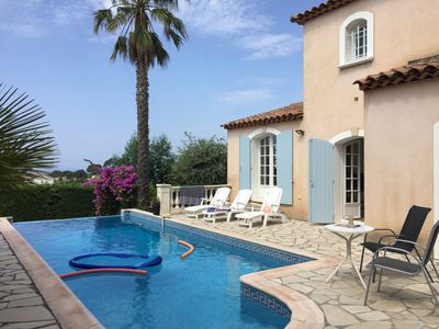 Photo for Provencal house with private pool