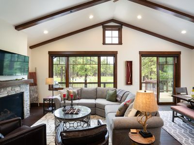 Photo for Luxury 3BD Residence on Gray's Crossing Golf Course