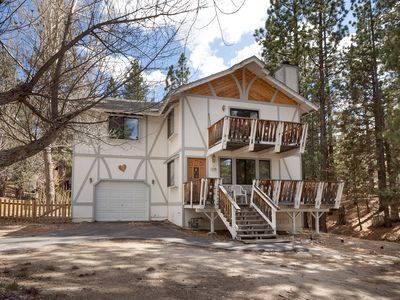 Photo for Fenced Yard. Pet Friendly. Fireplace. BBQ.