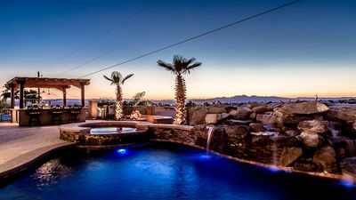 Spacious backyard with all the luxuries of a resort.  Sit back and relax!