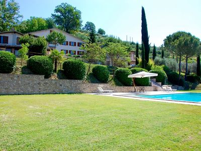 Photo for 4BR Villa Vacation Rental in Umbria
