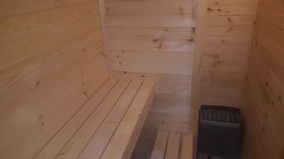 UPDATED5 BDR 2 BTH BI LEVEL WITH SAUNA. MINUTES TO CAMELBACK