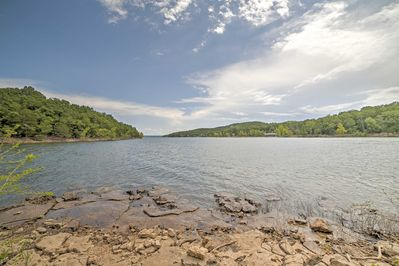 You'll be steps from Table Rock Lake during your stay.