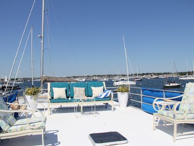 Sweet summer escape on Newport Harbor