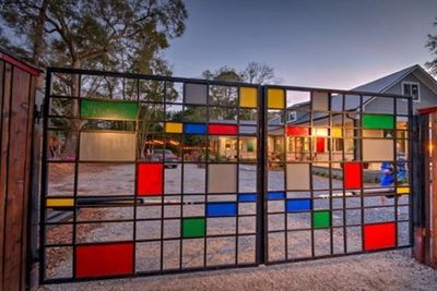 Come stay at our Retreat behind the Mondrian Gate!