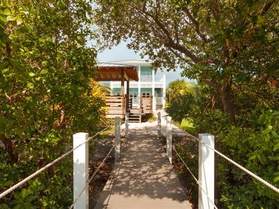 Photo for Bonefish House updated 3bed 4bath with private pool & dockage