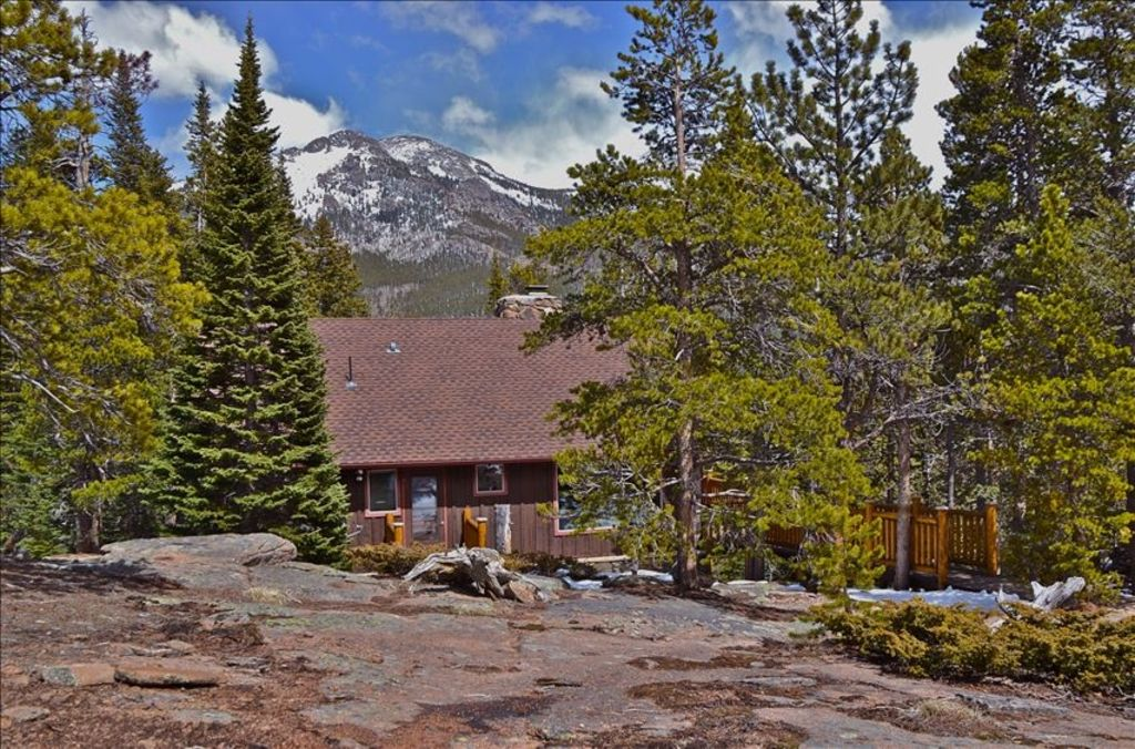 Once upon a cabin enchantment on 10 secluded acres for Cabine colorado vrbo