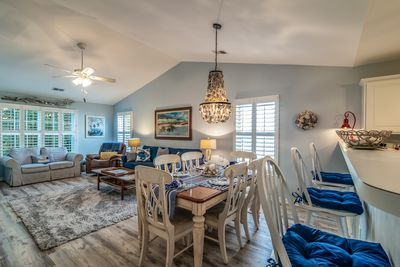 Excellent Pawelys Pearl Condo In True Blue Beach Decor Family Friendly 79D Pawleys Island Andrewgaddart Wooden Chair Designs For Living Room Andrewgaddartcom