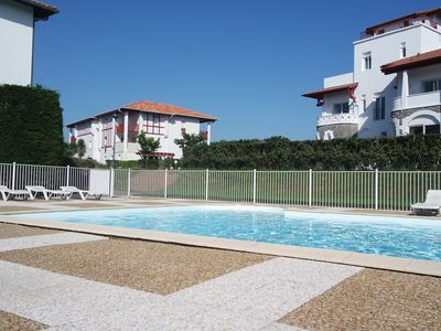 Photo for 30m2 apartment with 5m2 balcony. Private parking and swimming pool. The beach at 300m