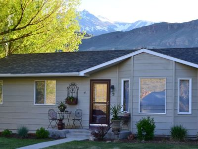 Relax on the Yellowstone River with Gorgeous Mountain Views