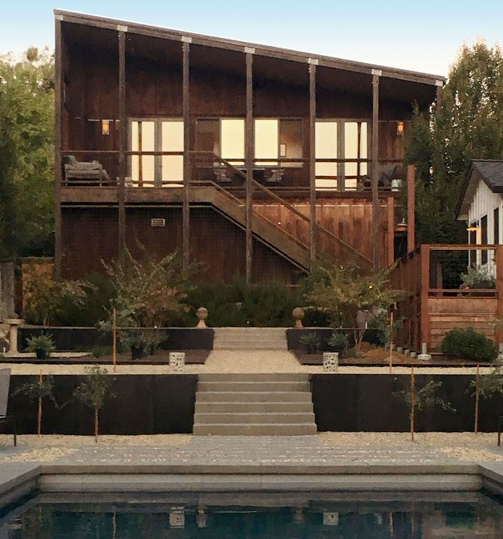 Romantic Modern Wine Country Carriage House