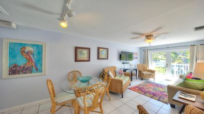 Photo for PELICAN - A cheerful condo with 2 bikes in tropical Truman Annex