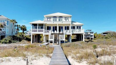 "Photo for Ready to rent now! FREE BEACH GEAR! Beachfront, Plantation, Screened Porch, Fireplace, 4BR/3.5BA ""Sea Glass"""