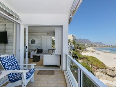 Photo for Apartment in Cape Town with Internet, Lift, Parking, Washing machine (722227)