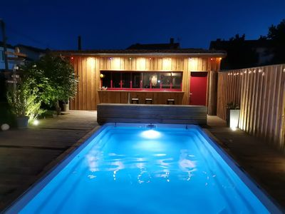 Photo for Quiet house with pool on the outskirts of Bordeaux