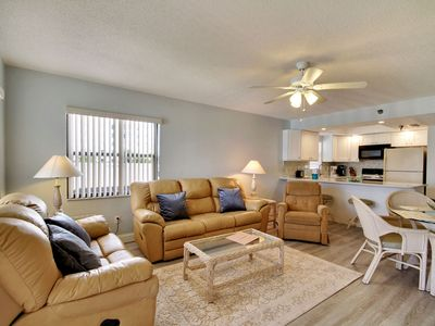 Photo for Emerald Isle #204 - 2 bedrms/LOVELY updates/GREAT location!!