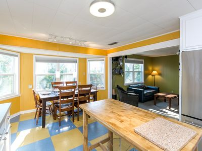 Kitchen - Fantastic open space for friends and family!