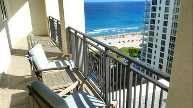 SENSATIONAL OCEAN VIEWS FROM YOUR PRIVATE BALCONY