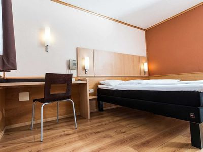 Photo for Double Room with French Bed - Good Morning Erfurt