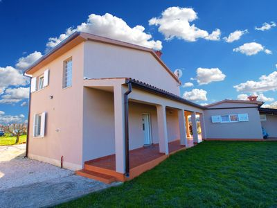 Photo for Cozy holiday home 15612 near Pula