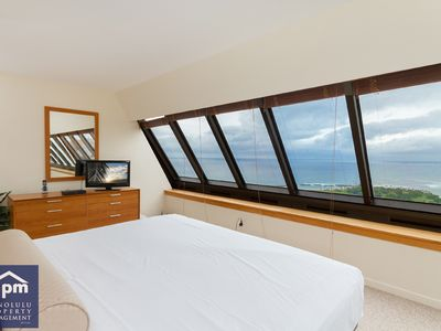 Photo for Discovery Bay Luxury ocean-view Waikiki penthouse