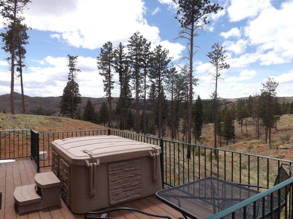 Property Image#3 Pikes Peak Resort   Bear Den Cabin   Where Wilderness U0026  Luxury