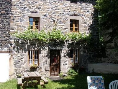 Photo for Fully renovated house (2003) with fenced et shaded courtyard 1km from stores