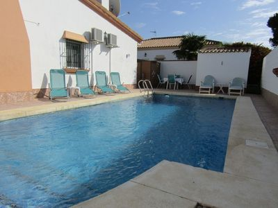 Photo for Villa: quiet location, private garden and pool, near beach and golf