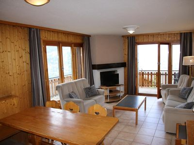 Photo for 2*, 3-bedroom-apartment for 6-8 people located at about 800m from the lift in a calm and sunny envir